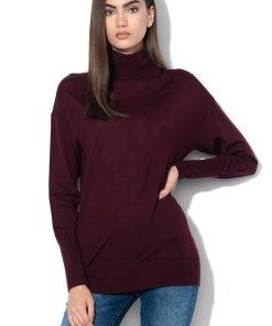 Pulover de lana cu guler inalt