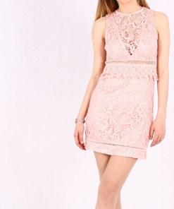 Rochie scurta din dantela de culoare roz