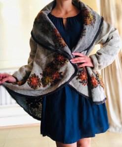 Poncho din lana cu maneci- Anisoara 10
