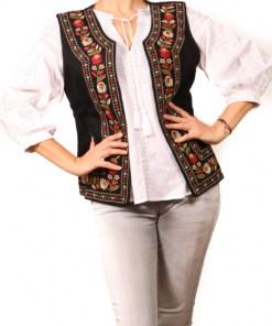 Vesta brodata cu model traditional Suzi