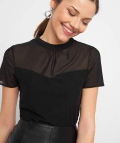 Bluză cu guler înalt Negru