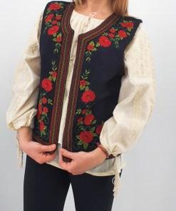 Vesta brodata cu model traditional Soriana