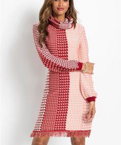 Rochie tricotată cu franjuri - roz