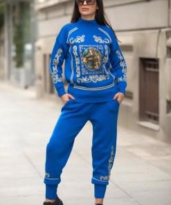 Trening dama din tricot albastru cu bluza pe gat si model Tablou
