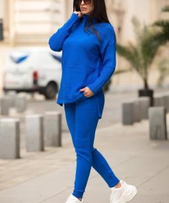 Trening dama din tricot albastru cu bluza pe gat si model impletit