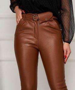 Pantaloni SunShine maro din piele ecologica casual conici cu accesoriu tip curea si borseta