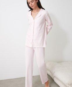Pijama cu dungi discrete si revere rotunjite 3336803