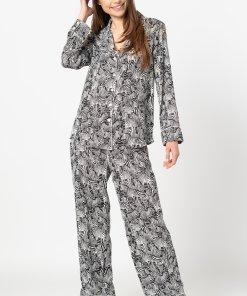 Pijama cu imprimeu - revere decupate si buzunar pe piept 3294664