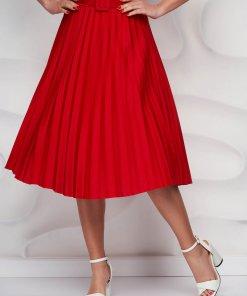 Fusta SunShine rosie plisata in clos din material usor elastic cu accesoriu tip curea
