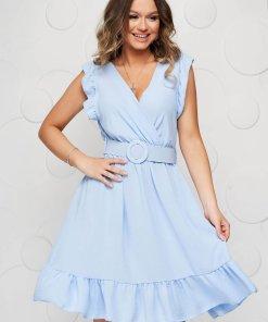 Rochie SunShine albastru-deschis clos cu elastic in talie cu accesoriu tip curea decolteu in v si volanase