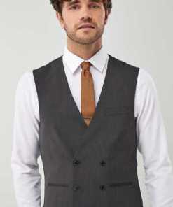Next Anzug: Zweireihige Weste