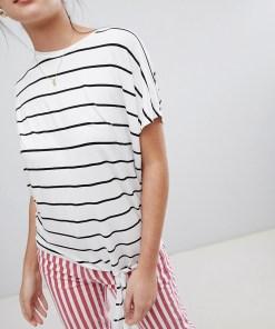New Look - Gestreiftes T-Shirt mit seitlichem Bindedetail - Weiß