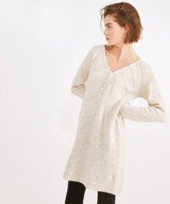 Kleid aus weichem Strick