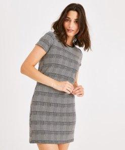 Minikleid mit kurzem Arm