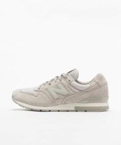 New Balance Frauen Sneaker MRL996LK in grau