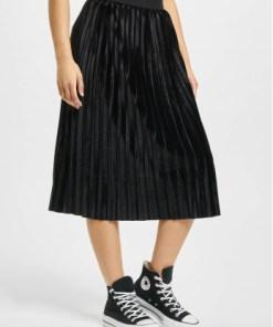 Urban Classics Frauen Rock Velvet Plisse in schwarz
