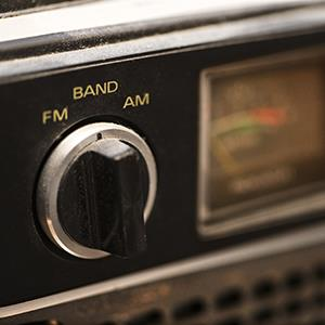 Tuning knob on portable radio (© Thinkstock/Comstock Images/Getty Images)