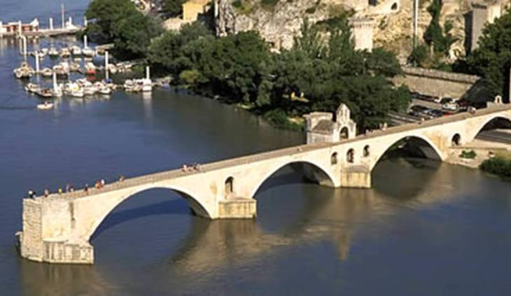 Le pont d'Avignon — 10 Things To See