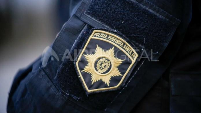 Ningún policía de Santa Fe podrá cobrar menos de dos y medio sueldos mínimos, vitales y móviles.