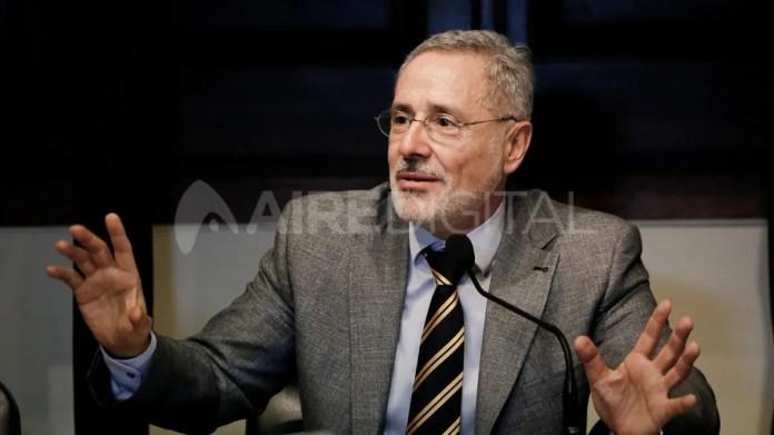 Sain brindó detalles de la primera parte de su reforma en una videoconferencia que se realizó desde la Universidad Nacional Rosario.