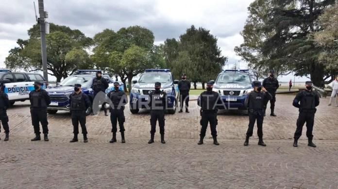 El personal de Fuerza de Respuesta Inmediata de la Policía Federal Argentina llegó a Rosario.