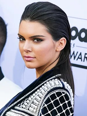 How To Get Kendall Jenners Sleek Hair From The Billboard
