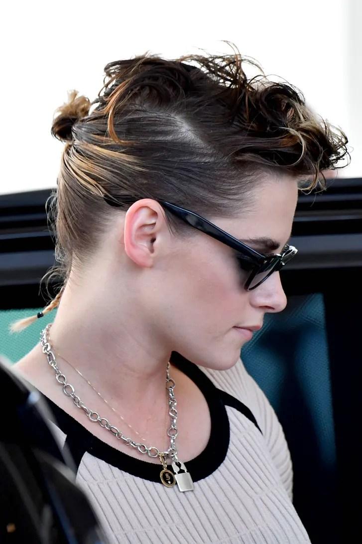 Kristen Stewart Wears Cute Rattail Hairstyle At The 2018