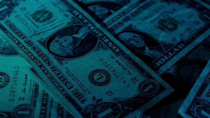 El dólar blue cayó $14 entre lunes y martes.