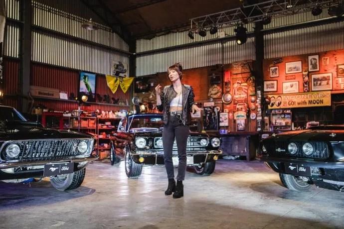 Mikki Lusardi condujo el 4to aniversario de Mustang en Argentina.