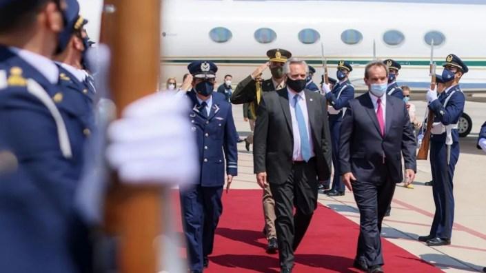 Alberto Fernández arribó a Chile en su primera visita de Estado