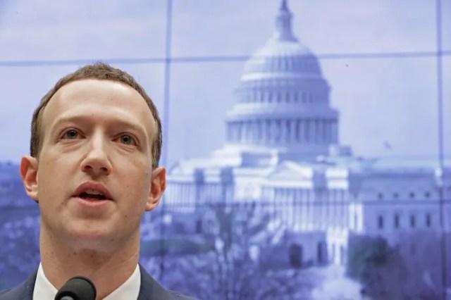 Mark Zuckerberg, de Facebook, está 5°.