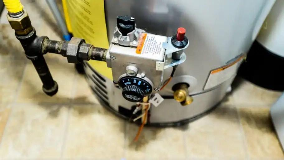 gas water heater s pilot light