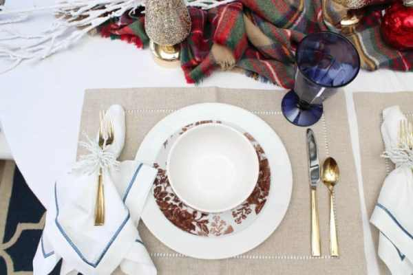 Adding pops of color will give your place setting a bit more flare. (Photo by Rebekah Dempsey)