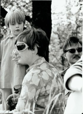 och till sist en sällsynt bild av min mamma, mig och Hans Arnold på utlykt med KP-red.