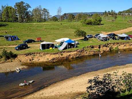 KENILWORTH CAMPING: Adadale Farm has 5km of camping along the river.