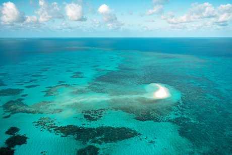Sudbury Cay, Big Coral Reef antenna.