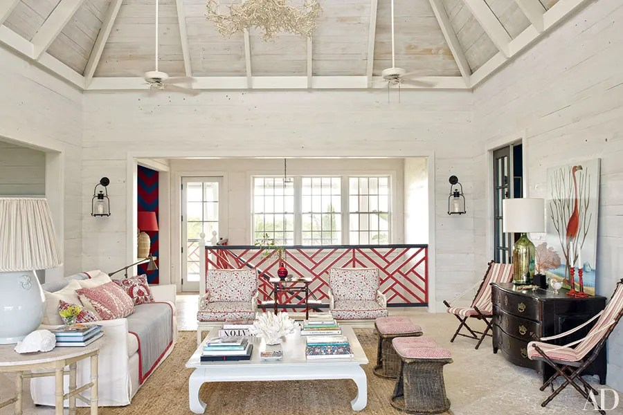 16 Living Rooms With Sophisticated Beach Decor