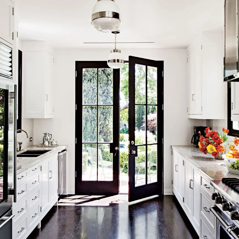 9 Beautiful Black And White Kitchens From The Ad Archives Architectural Digest