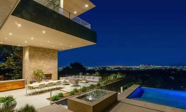Luxury Real Estate Trends In L A Are All About The Wow