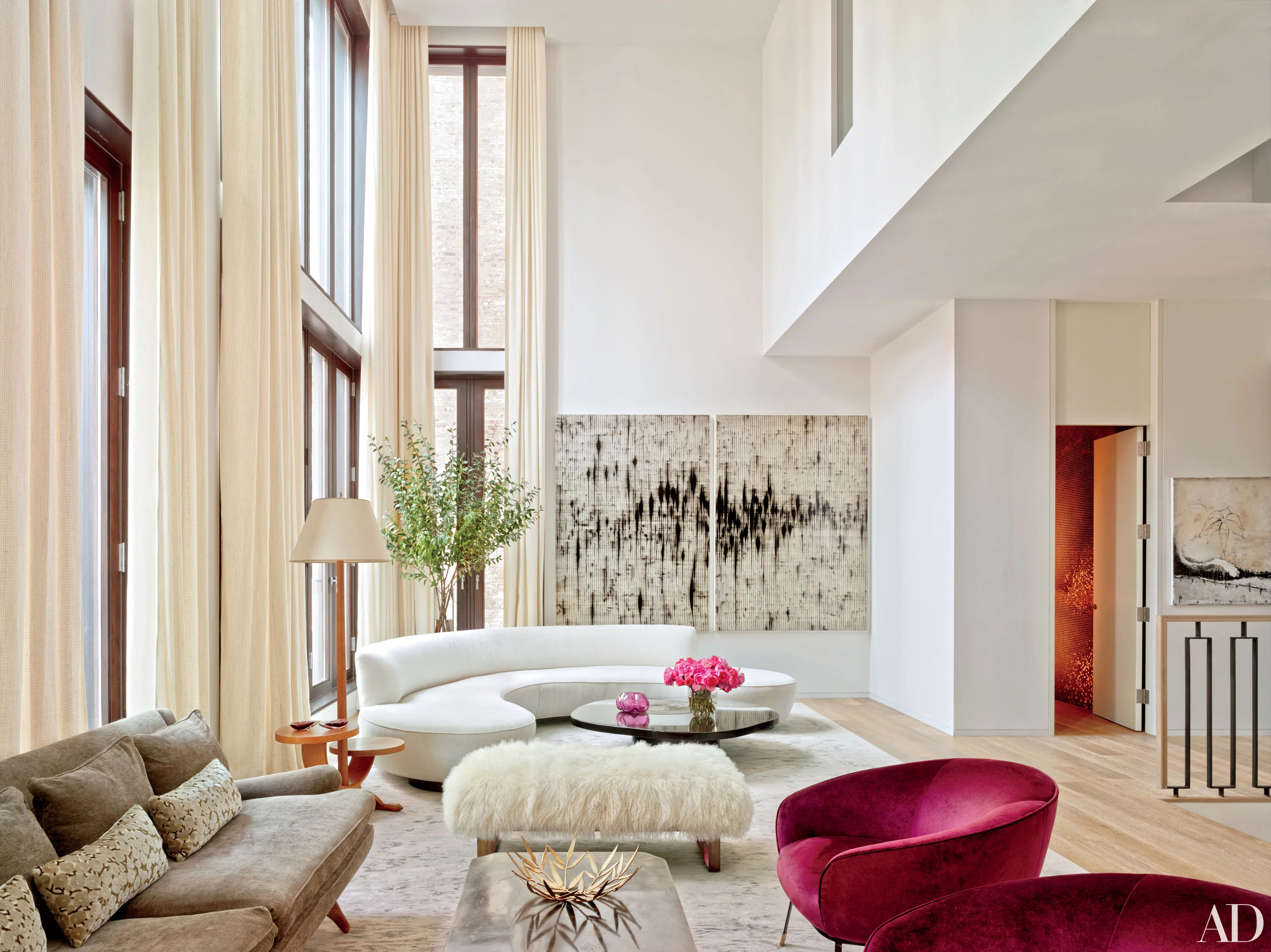 15 Beautiful Homes Featuring Vladimir Kagan Furniture