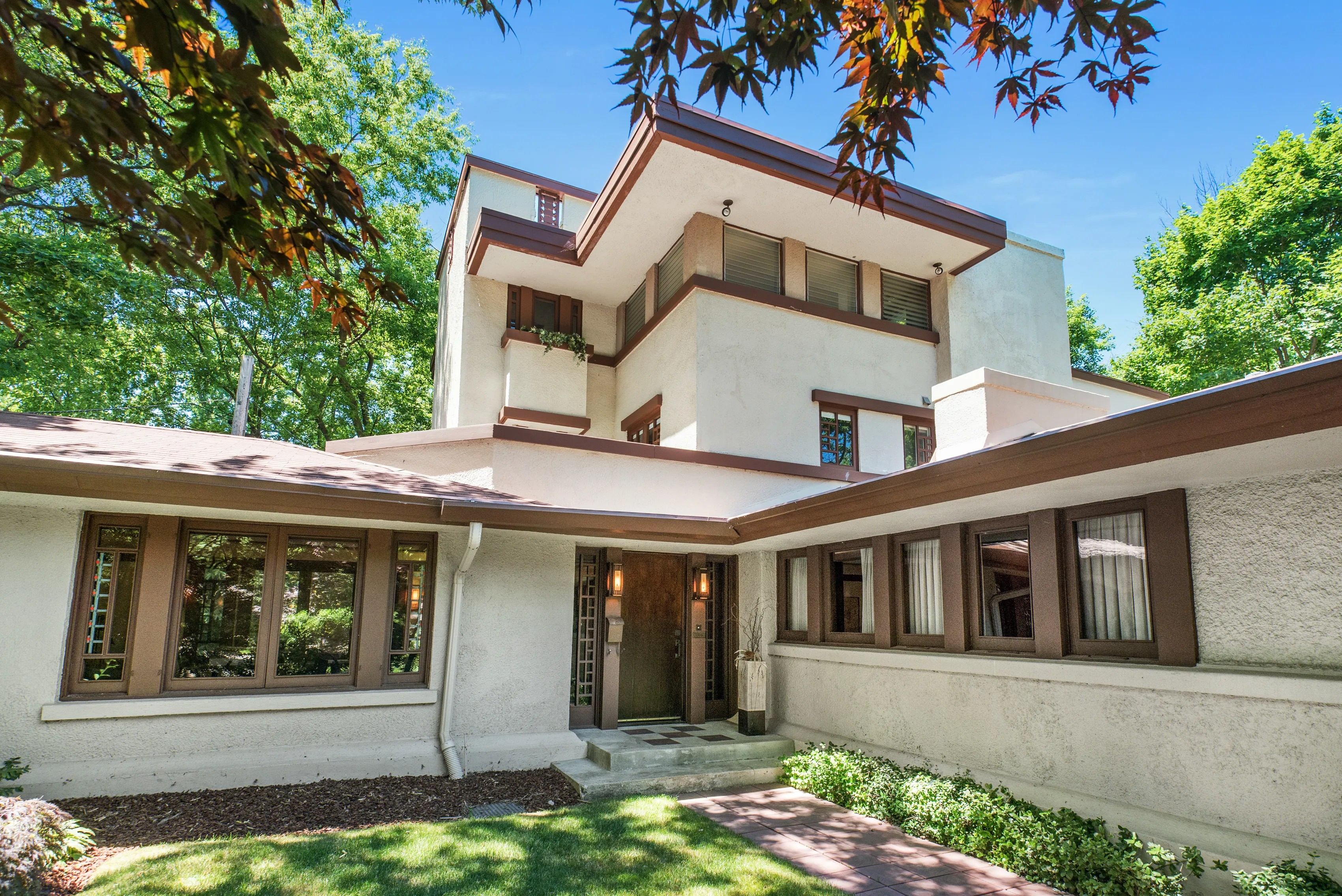 Own A Rare 3 Story Frank Lloyd Wright Home In Illinois