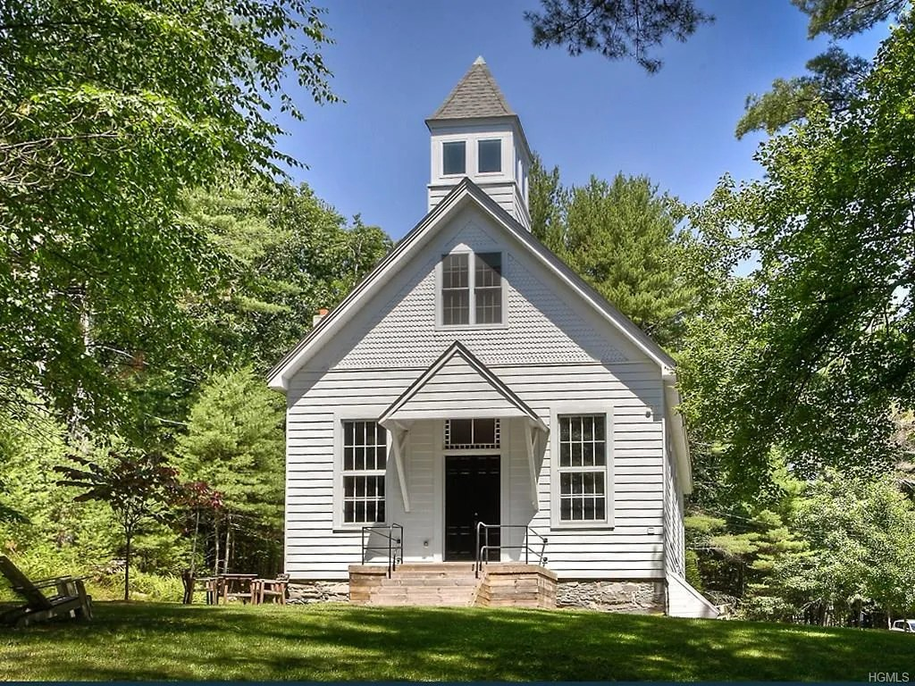 You Could Buy This Upstate New York Schoolhouse Turned
