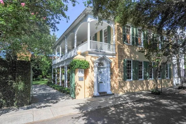 18 of the Oldest Homes in America for Sale