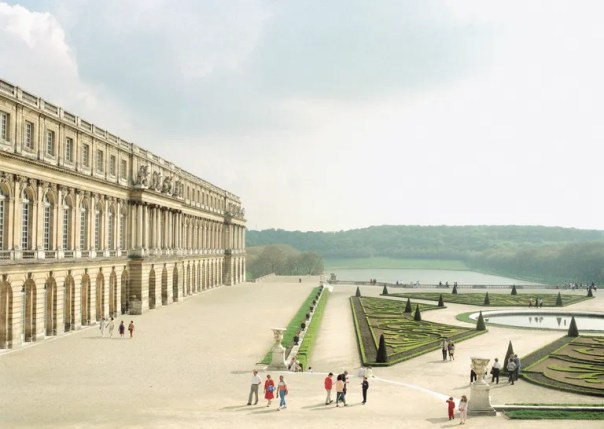 Italian photographer Luigi Ghirri was a pioneer of color photography in Europe. Shown here is Versailles, 1985.