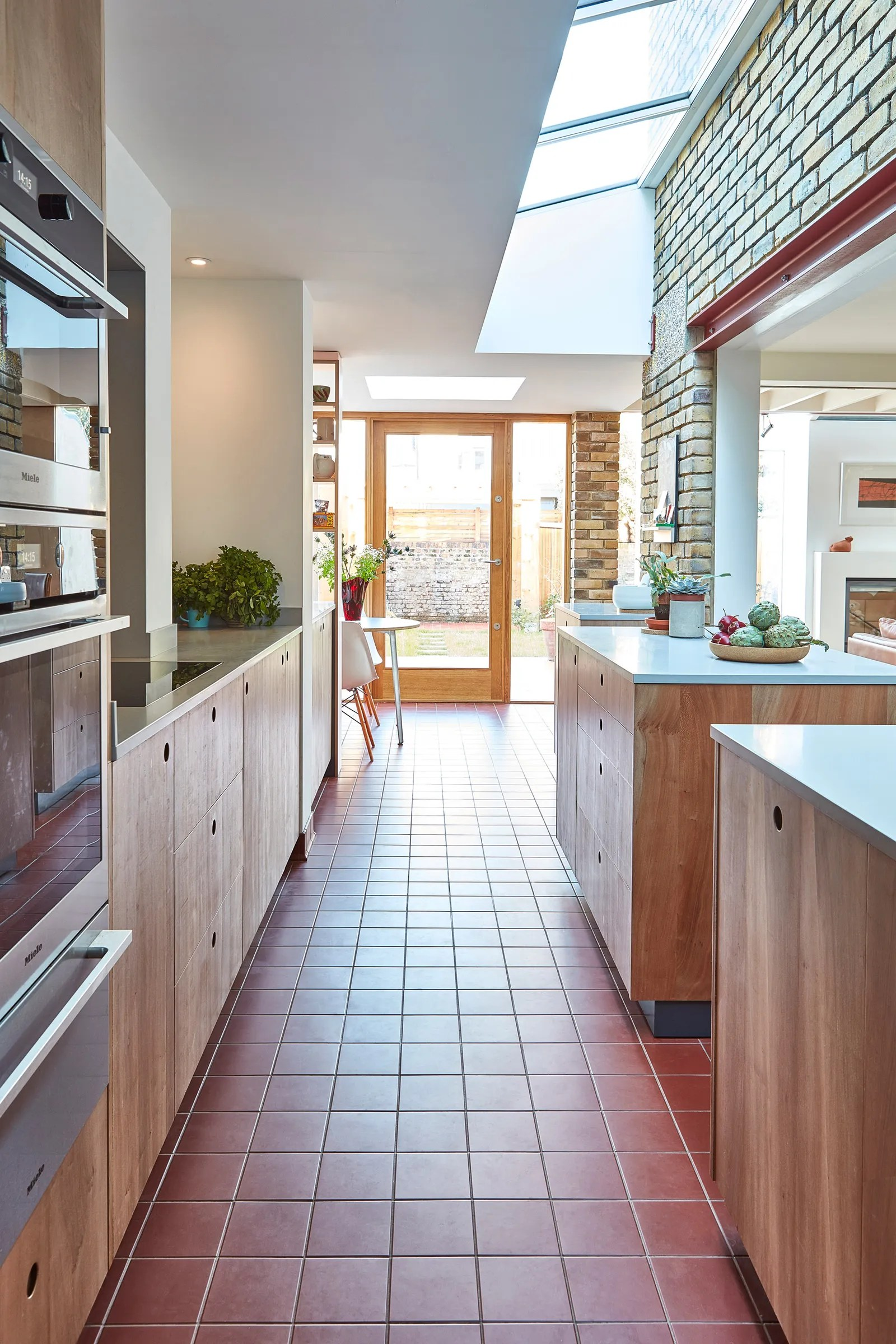 Whoa This Cozy Galley London Kitchen Used To Be An