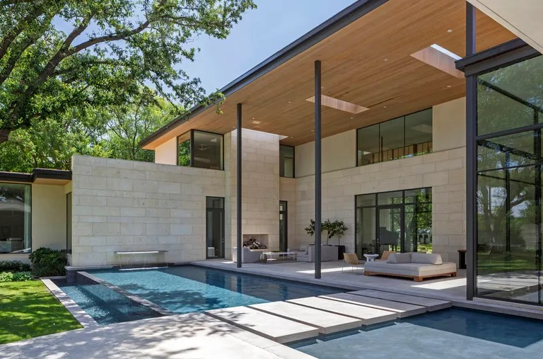 See Inside the Most Stylish Modern Homes in Texas   Architectural Digest For this Dallas home  firm Smitharc wanted to create a space that felt like  a