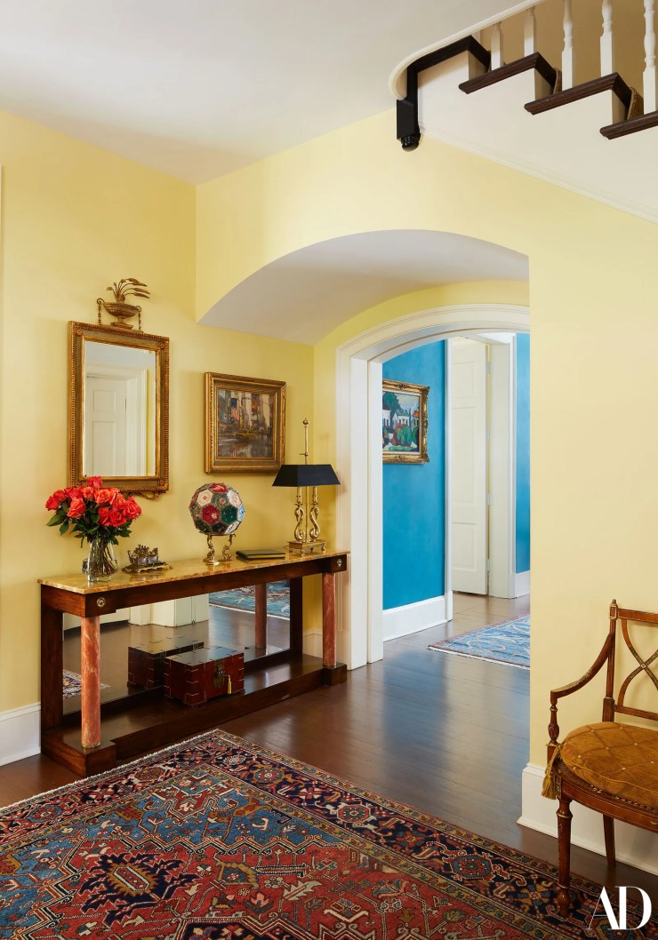 Visitors to Bill and Hillary Clinton's home in Washington D.C. are invited to sign a guest book. The book sits atop an...