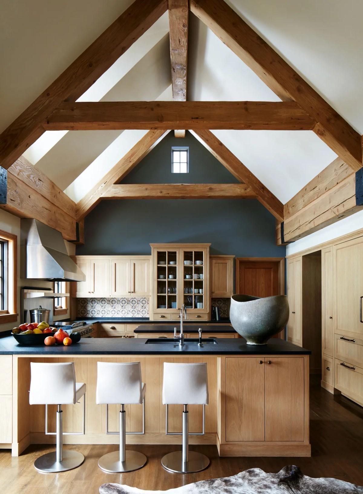 Мне нравится, что эта кухня теплая и уютная, но при этом очень современная, признает Наннерли. Кухня, наверное, Наннерли ...