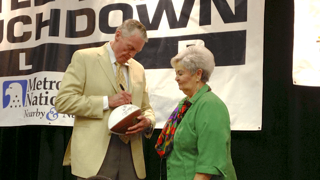 former-nebraska-coach-tom-osborne-signed-autographs-for-fans-at-the-little-rock-touchdown-club-on-monday-afternoon