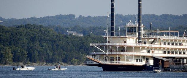 17 Die When Duck Boat Capsizes On Table Rock Lake In Missouri